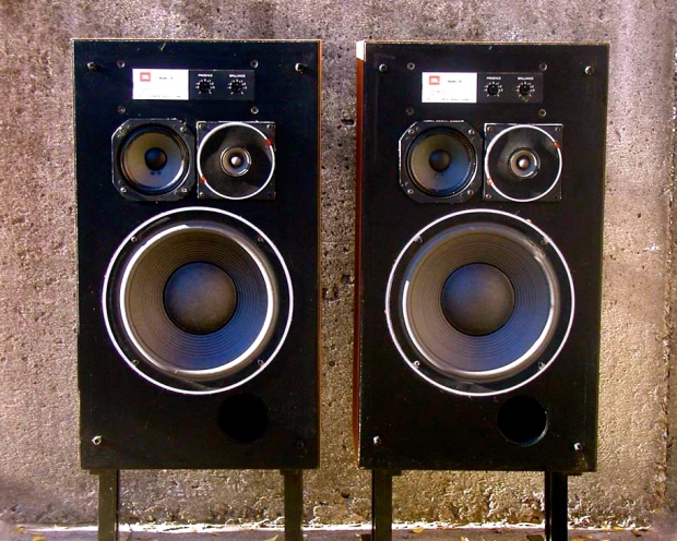 305571-jbl_l36_vintage_classic_speakers
