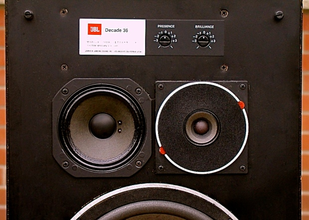 98809-jbl_l36_decade_speakers